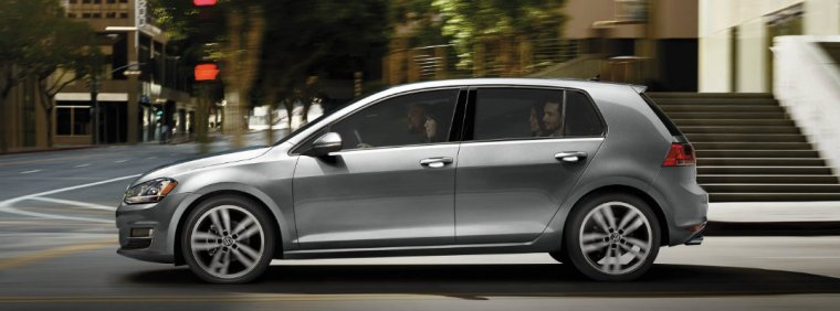 2017-volkswagen-golf-upgrades-and-changes-a_o