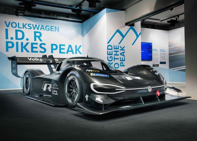 Volkswagen_I.D._R_Pikes_Peak-Large-8200.jpg